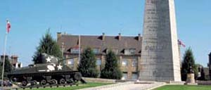 Avranches, monument lettrine