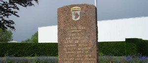 Carentan, monument lettrine