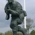 Sainte-Marie-du-Mont, monument Richard Winters