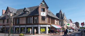 Cabourg, ville lettrine