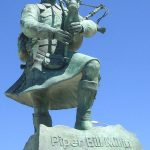 Colleville-Montgomery, monument Piper Bill Millin
