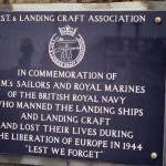 Arromanches-les-Bains, plaque British Royal Navy