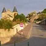 Arromanches-les-Bains, l'accès au plateau-est