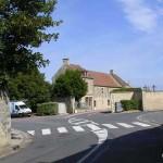 Bény-sur-Mer, le centre ville et le cimetière