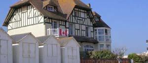 Bernières-sur-Mer, ville lettrine