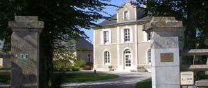 Bréville-les-Monts, ville lettrine