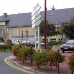 Condé-sur-Vire, la place de l'hôtel de ville