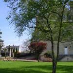 Fontenay-le-Marmion, la place de la mairie