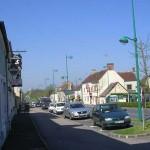 Le Bourg-Saint-Léonard, la route de Caen