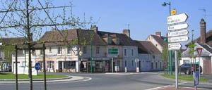 Le Bourg-Saint-Léonard, ville lettrine
