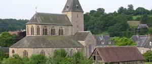 Lonlay-l'Abbaye, ville lettrine