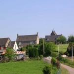 Montjoie-Saint-Martin, l'entrée du bourg
