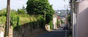 Saint-Georges-Montcoq, ville lettrine