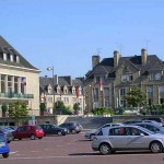 Saint-Hilaire-du-Harcouët, la place de l'hôtel de ville