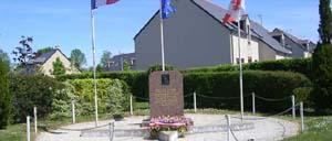 Airel, monument lettrine