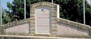 Asnelles, monument lettrine