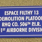 Brévands, plaque 506th PIR et 326th AEB