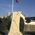 Carpiquet, monument soldats canadiens