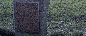 Crisbecq, monument lettrine