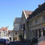 Thury-Harcourt, la poste et l'office de tourisme