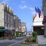 Villers-sur-Mer, la rue du général de Gaulle