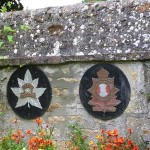 Eterville, plaques 8th Reconnaissance Regiment et Royal Regiment of Canada