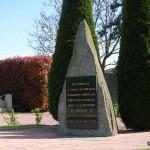 Fontenay-le-Marmion, stèle soldats canadiens