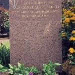 Grancamp-Maisy, stèle général de Gaulle
