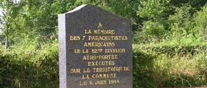 Hémevez, monument lettrine