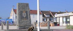 Langrune-sur-Mer, monument lettrine