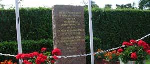 Méautis, monument lettrine