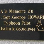 Mouen, stèle Flight Sergeant George Howard