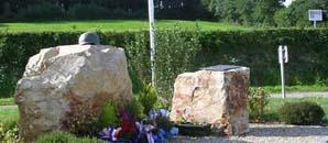 Neufmesnil, monument lettrine