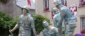 Périers, monument lettrine