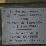 Ranville, plaque Premier soldat anglais tombé