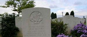 Banneville-la-Campagne, cimetière lettrine