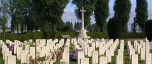 Douvres-la-Délivrande, cimetière lettrine