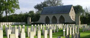 Hermanville-sur-Mer, cimetière lettrine