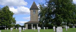 Orglandes, cimetière lettrine