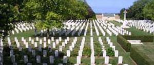 Reviers Bény-sur-Mer, cimetière lettrine
