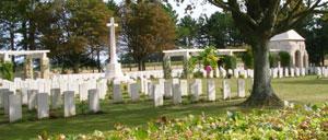 Ryes Bazenville, cimetière lettrine