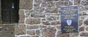 Saint-André-de-Briouze, monument lettrine