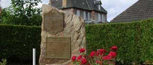 Saint-André-sur-Orne, monument lettrine