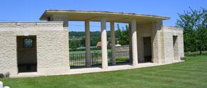 Saint-Charles-de-Percy, cimetière lettrine