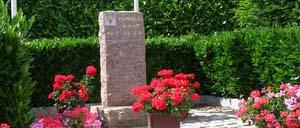 Sainteny, monument lettrine