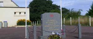 Saint-Jores, monument lettrine
