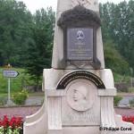 Tilly-sur-Seulles, plaque général Leclerc