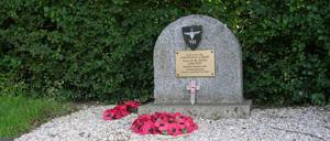 Touffréville, monument lettrine