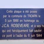 Troarn, stèle Major Roseveare