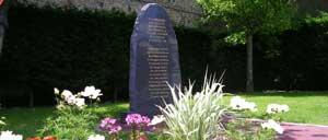 Villers-sur-Mer, monument lettrine
